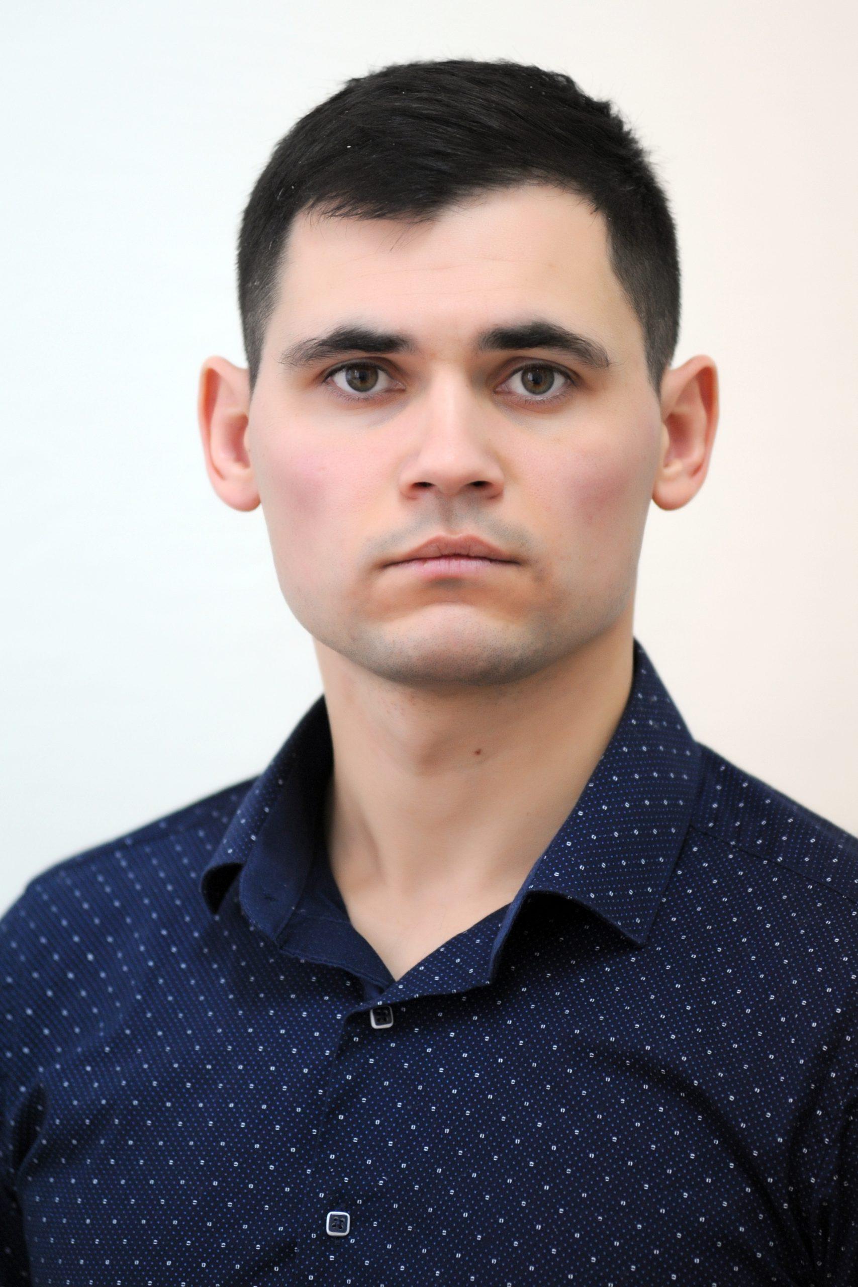 <b>Vadim
